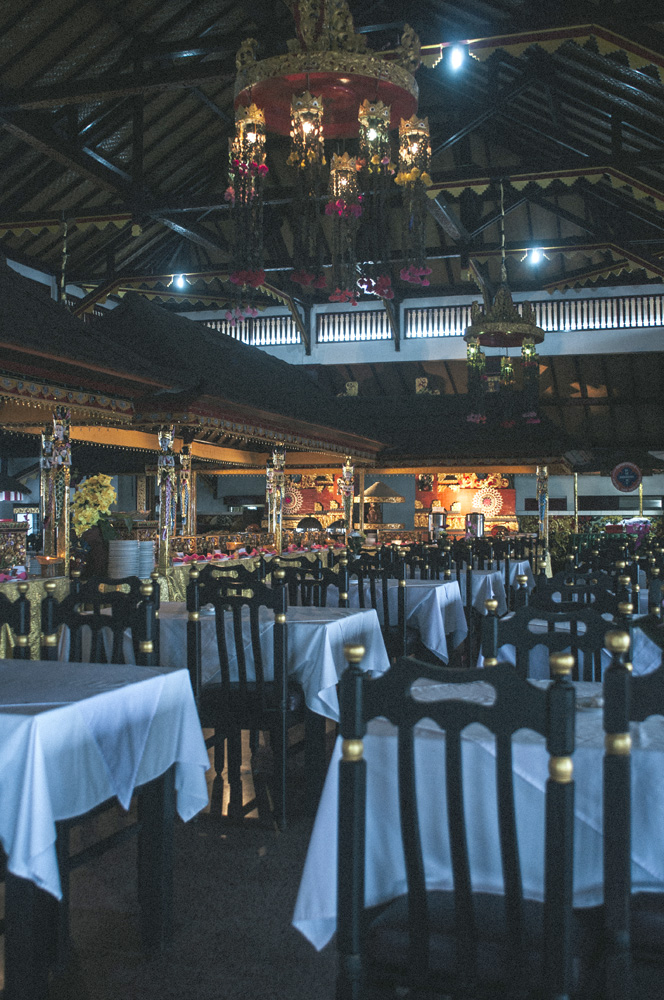 Interior restoran Kintamani yang sangat luas.
