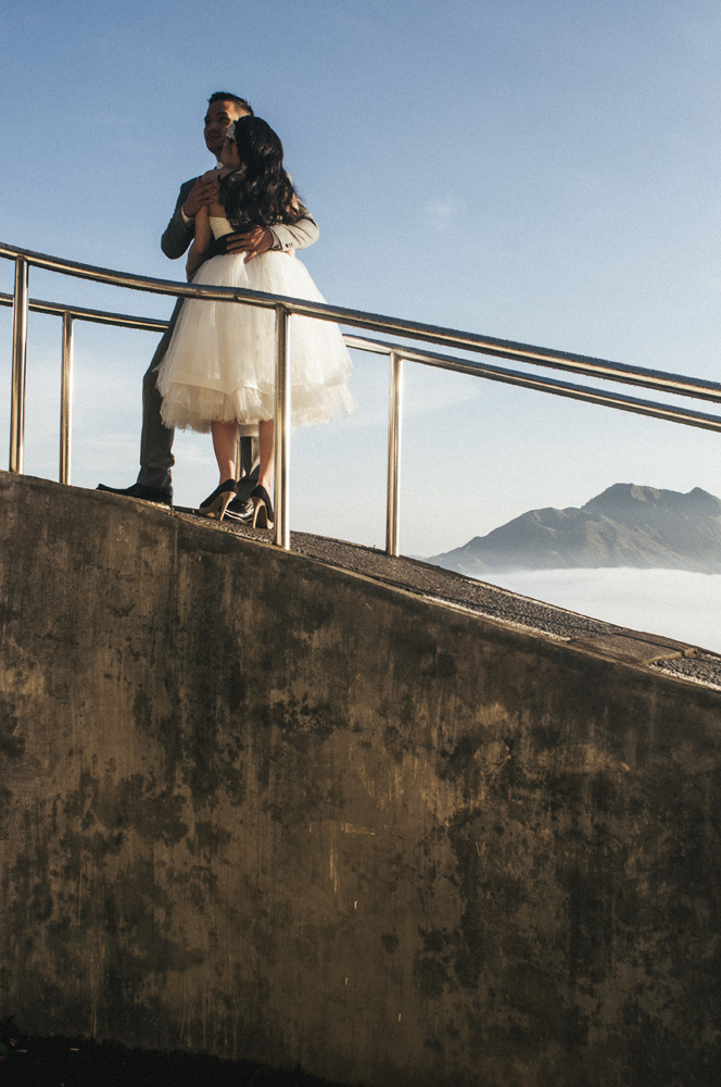 Prosesi pemotretan pre-wedding sering dilakukan di sini. Terutama di sekitar Penelokan yang menyuguhkan latar belakang Gunung Batur paripurna.