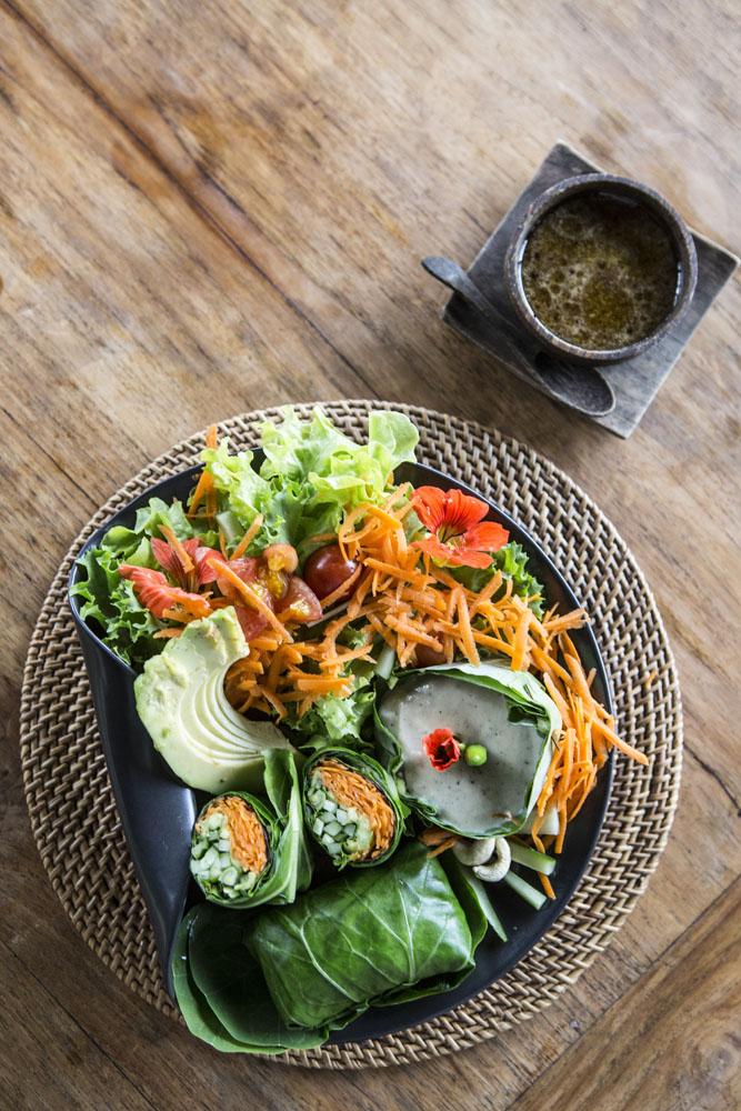 Menu makanan sehat juga tersedia di Sarinbuana.