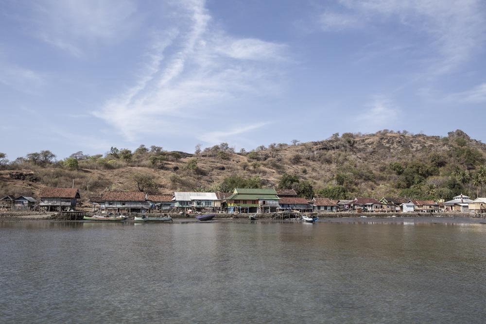 Sebuah desa nelayan di Teluk Saleh.