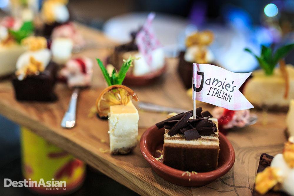 Sajian pencuci mulut di Jamie's Italian, restoran koki selebriti pertama dalam keluarga Royal Caribbean.
