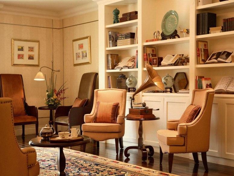 Writers Bar tempat tamu menikmati sesi minum teh dalam paket Heritage Experience.