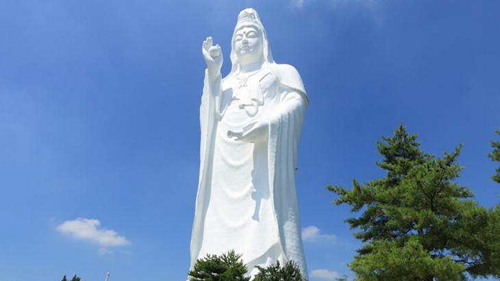 patung tertinggi