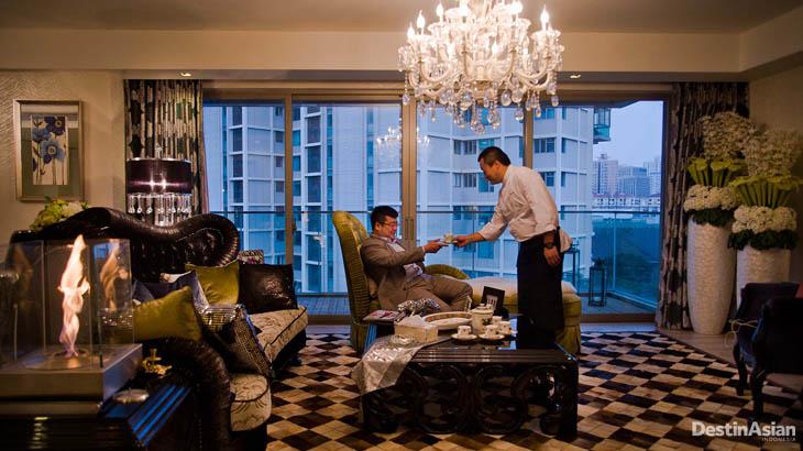 Pengusaha properti Dai Jun alias Denny di kediamannya yang mewah.