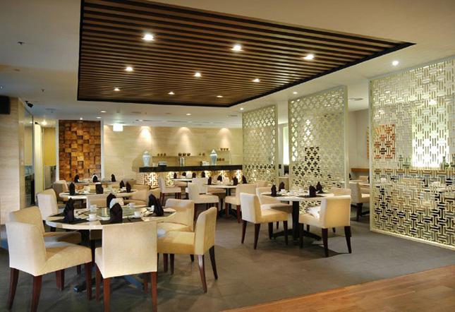 Interior Teratai Chinese Restaurant di Hotel Borobudur Jakarta.