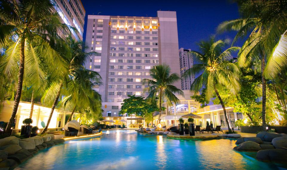 the ritz hotel essay This free management essay on essay: total quality management for ritz carlton is perfect for management students to use as an example.