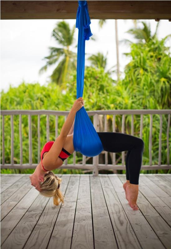 Selain aerial yoga, Six Senses Laamu juga menyediakan kelas Pilates.